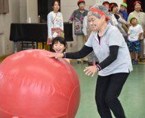 幼児園児と寿大学運動会