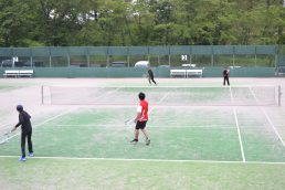 市民大会 雨の中も張り切ってソフトテニス